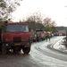 Teherautókkal szállítják a helyszínre a friss földet