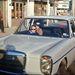 Anyukám ölében, Bagdadban, valamikor 1970 táján. Az ablaktörlő hiányzik, mert úgyse kellett, meg le is lopták volna. Fekete műbőr belső, légkondi nuku, volt, hogy 75 fok volt a kocsiban