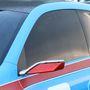Gyönyörű a légbeömlőként funkcionáló hátsóablak formája