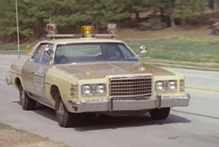 Nincs kettő négy nélkül (1984) - Rolls-Royce Silver Cloud II