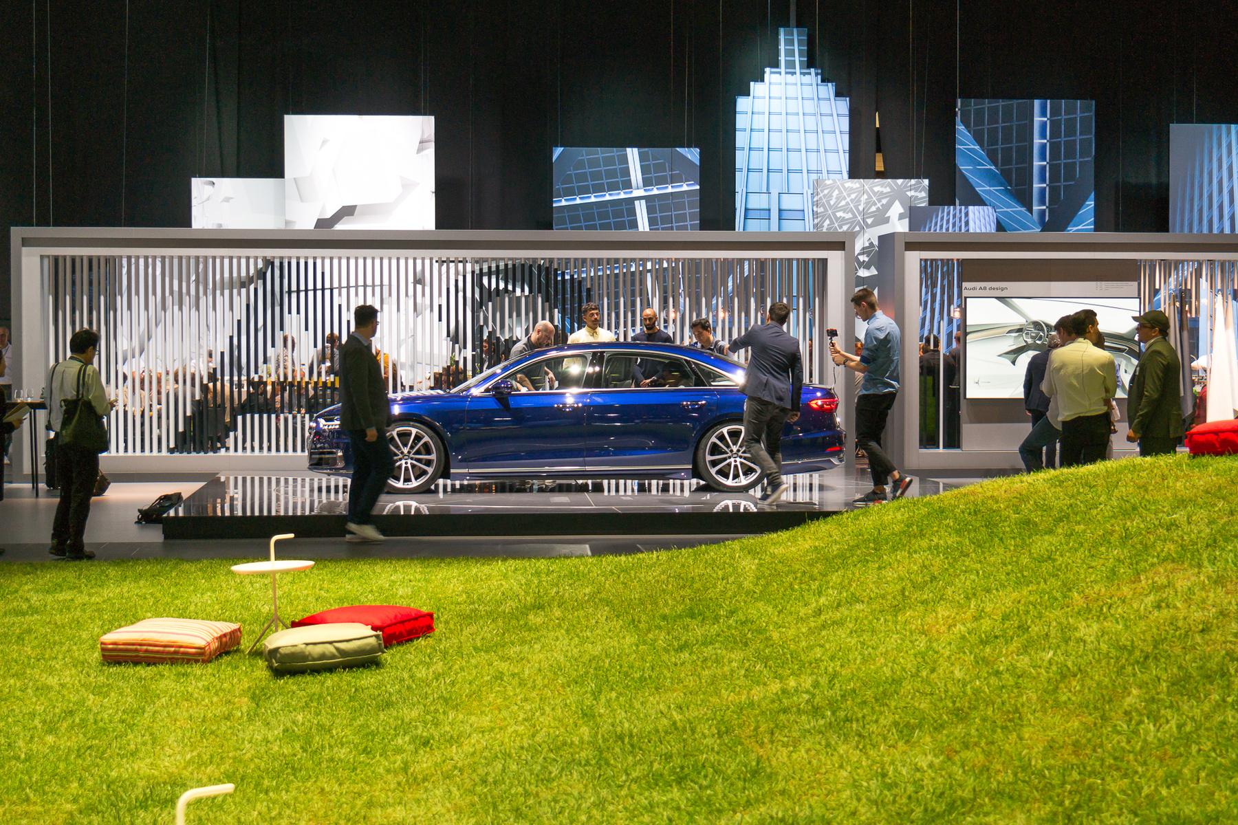 A Laguna II bemutatóján nem az autó volt a legemlékezetesebb