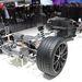 A SLS AMG e-Cell hajtáslánca. Elöl, illetve a kardánalagútban púpozták fel az akkukat