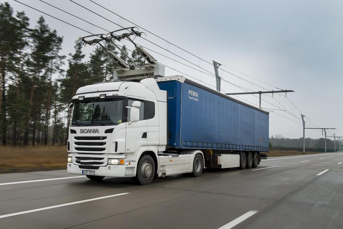 Nincs új a napa alatt! Bányagépek is lehetnek az áramszedős Scaniák (fotó: Scania)