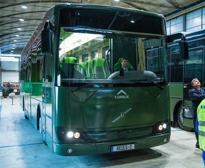 A német hadsereg nem keres felesleges funkciókat a buszainak. Hagyományos távolsági buszokat használnak. Legutóbb Csehországban gyártott Iveco Crosswayeket ásároltak (fotó: bus-build.de)