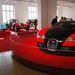Volt egy Veyron is, de kevesen nézegették. Sok Nissan Tiida között biztosan feltűnő lenne. Itt csak a gyerekek között volt sikere