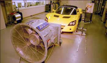 A menetszélről hatalmas ventilátor gondoskodik