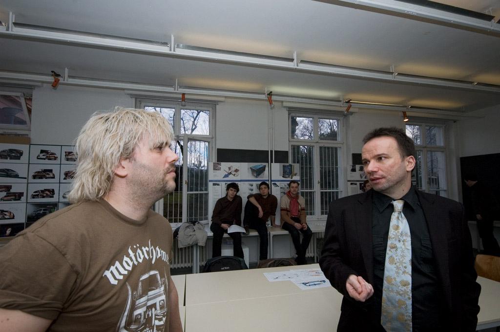 Lóránt Gergely, régi barátunk a TV2-től most a MOMÉ-nak is PR-ol