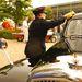 Rendőrnéni pucol