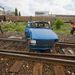 Sajnos be kell látni: a mozdonyvezető se megállni nem tud, se félrerántani a kormányt
