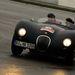 Hőmérséklet 5 C°, tető nincs, fűtés csak a lábnál. Viszont az autó miatt mindez semmiség: Jaguar C-Type (1953). Három példány indult.