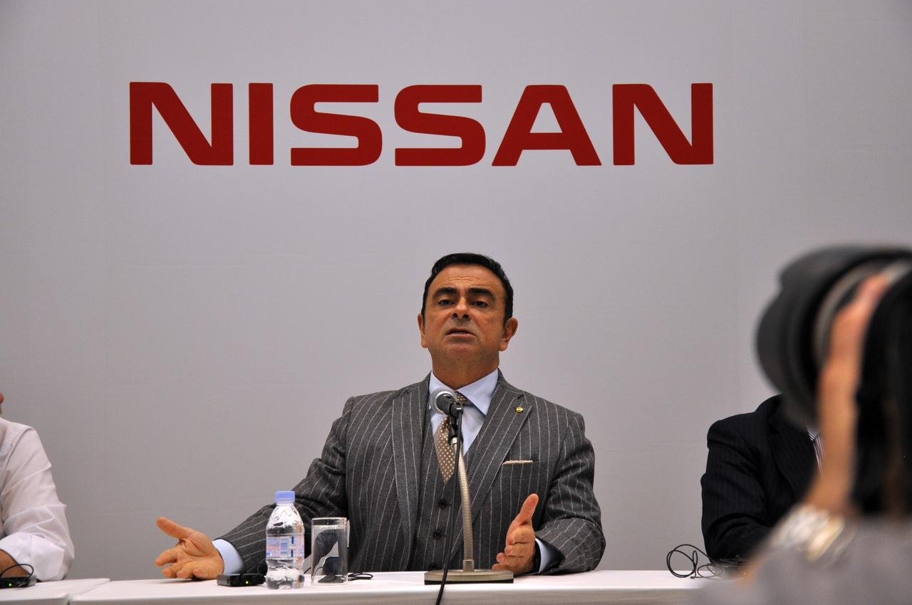 A jövő háza a Nissan szerint, egy áramkörön az elektromos autóval. Én eddig úgy tudtam, hogy minél kevésbé van szabadon egy ház, annál olcsóbb a fűtés. Talán nem?