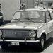 Korai Lada kicsi, kerek visszapillantótükörrel, fehér indexburával, régi, mechanikus szirénával