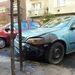 Két autónyival a tűzfészek után egy súlyosan megsérült Opel