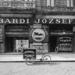 Bárdi József üzletportálja 1905-ben az Operához közeli Gyár utcában