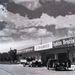 Balatoni műút, valamikor a 40-es évek eleje. Már kibővült az épületegyüttes, a Studebaker teherautó is megvan