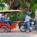 Húz tuktukot igazi motor is, mint ez a kéthengeres Honda, de ritkák, és ez is csak 125 köbcentis (ez a blokk van a Rebel chopperben)