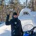 Teppo Vertomaa, a Porsche fotósa egész nap snowmobile-lal vereti