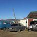 Tipikus vidéki, mongol autópark, közte egy Opellel