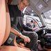 Partneri kíváncsiság: Philippe Varin, a PSA Peugeot Citroën igazgatótanácsának elnöke ül a Dongfeng egyik modelljében