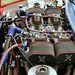 Sajnos nem szerepelt a listában, de ami biztos: ez egy Triumph TR7-es motortere, amibe egy (félig) idegen Rover V8-ast tettek négy iszonyatos méretű ikerkarburátorral. Lehet, hogy nem ebbe a raliautóba való a cucc, de attól még jól néz ki. És hogy a hangja milyen állat volt, az hihetetlen