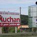 A solymári áruház három kilométerre van a lámpáktól. Ez a táv Buda felé olykor egy óra araszolás