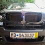 Ebben a BMW-ben annyira hatékonyan működött a lopásgátló, hogy a tolvaj dühében baltát vágott a gépháztetőbe