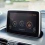 A Mazda 3 kezdőképernyője az autóban