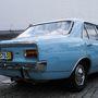 Emellett tényleg űrhajó egy Opel GT