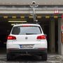 A legtipikusabb autós hiba: bringával a tetőn behajtani egy parkolóházba. Ha a bringatartó erős, akár a tetősín is kiszakadhat a helyéről