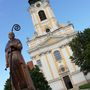 Az ország egyik legnagyobb barokk temploma, tornya 60,5 méter magas