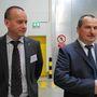 Jobbra Kenyeres Gyula termelési igazgató, balra Kovács László területi menedzser, ők vittek körbe minket