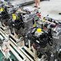 A kész háromhengeresek mindegyikét melegtesztelik, azaz fékpadon beindítják. Ha már beállt a termelés, már csak két százalékot, a maradékot hidegtesztelik