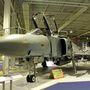 Az McDonnel Douglas F-4M FGR.2 típus 1969 májusában állt szolgálatba a Royal Air Force-nál. Ezekre a gépekre nem szereltek fedélzeti gépágyút - volt idő, amikor úgy gondolták, rakétákkal mindent meg lehet oldani. De kiderült, sok esetben mégis szükség lehet rájuk, ezért kifejlesztettek egy Vulcan gépágyút tartalmazó, a Phantomra kívülről függeszthető konténert, ez látható a gép hasa alatt