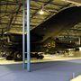 A híres Avro Lancaster bombázó. Négy Rolls-Royce Merlin motorjával 455 km/órás sebességgel tudott repülni, összesen 7 fős személyzettel és 10 tonnányi bombával a fedélzeten. A személyzet túlélőfelszereléséhez tartoztak postagalambok is, segítségükkel vészhelyzetben is tudtak kommunikálni
