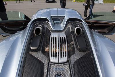 Minden autóba kéne ilyen hibrid rendszer, és máris jelentős fogyasztáscsökkentést érhetnénk el