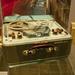Tesla szalagos magnó, kalapácslakk festésű dobozzal