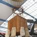 Hőlégballon a plafonhoz rögzítve