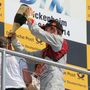 Ekström a futam végén nem sajnálta a pezsgőt a győztes BMW-sektől