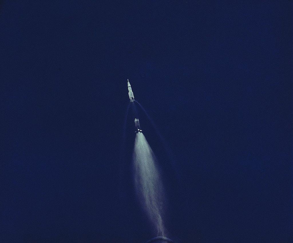 Az Apollo-16-os rakétájának harmadik fokozata, azaz annak becsapódási nyoma a Holdon