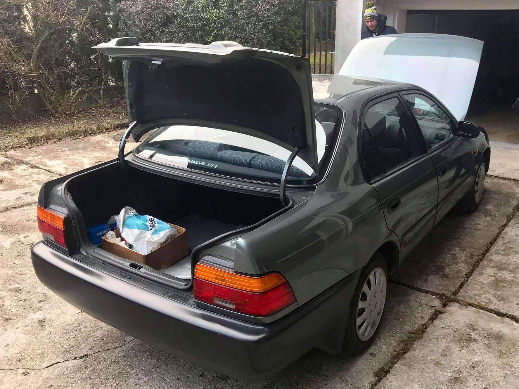 A fenekét állítólag a korabeli Lexus LS ihlette