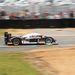 A később elromlott 7-es rajtszámú Peugeot 908 feldönt egy bólyát. Ezt az autót többek között Jacques Villeneuve vezette.