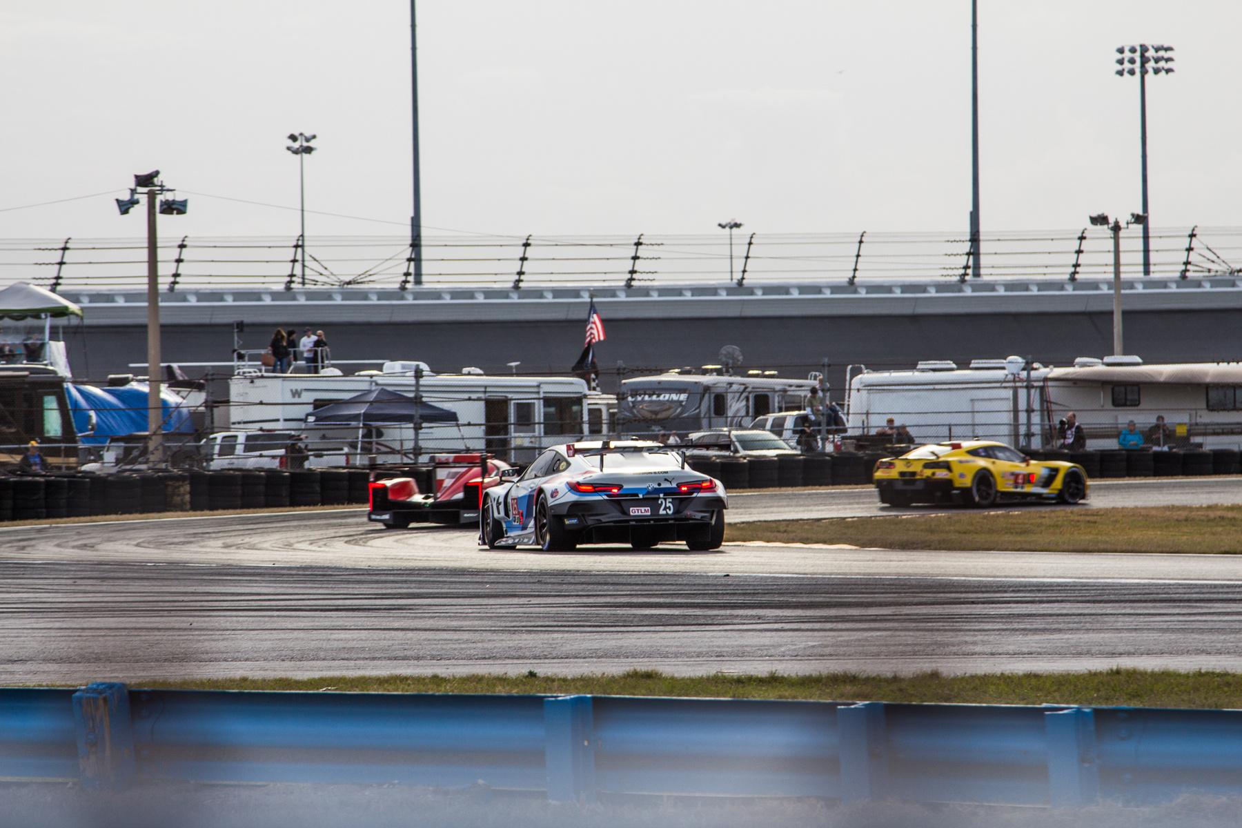 Akiknek nem jött össze: Mathias Laudáják (Niki fia) Ferrari 488 GT3-ja már messze a futam vége előtt kijött a garázsba