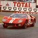 Dan Gurney tolja a GT40-et az 1966-os 24-órás Le Mans-i futamon