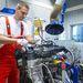 Mielőtt járatni lehetne a motort a próbapadon, elő kell készíteni