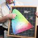 Ezen a grafikán láthatjuk, melyik szín milyen színhőmérsékletnek felel meg és milyen hullámhosszú. A vonatkozó előírásokban pontosan le van írva, melyik világítótest milyen színnel világíthat