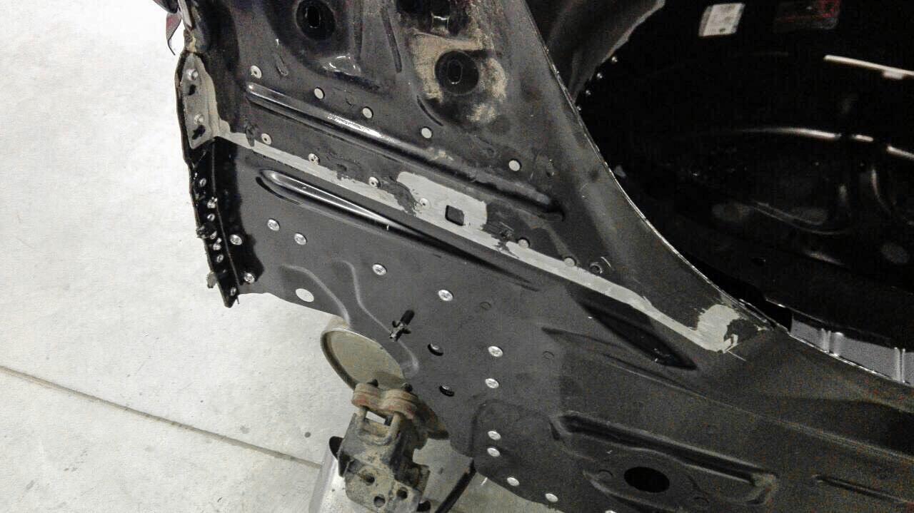 Popszegeccsel javított Jaguar XJ