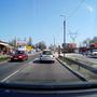 A bal oldali autó ha jól látom, horvát. A nemzetiség felismerésére sok esély nincs, tehát egy svéfd rendszámot nem hinném, hogy meg tudunk különböztetni egy magyartól
