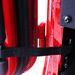 Három mozdulattal eltávolítható az ajtó: kinyitás, határoló kiakasztása, leemelés