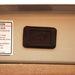 A csomagtérajtó gombbal való nyitása és csukása előtt hangjelzéssel figyelmeztet