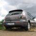 A Mazda futóművét viszont inkább sima aszfaltra tervezték, nem arra, hogy keresztben keljen át síneken